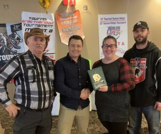 Serge Fontaine, volunteer of the year 2018-19, with Marcel LeBlanc, Nathalie Cyr et Roger Hickey